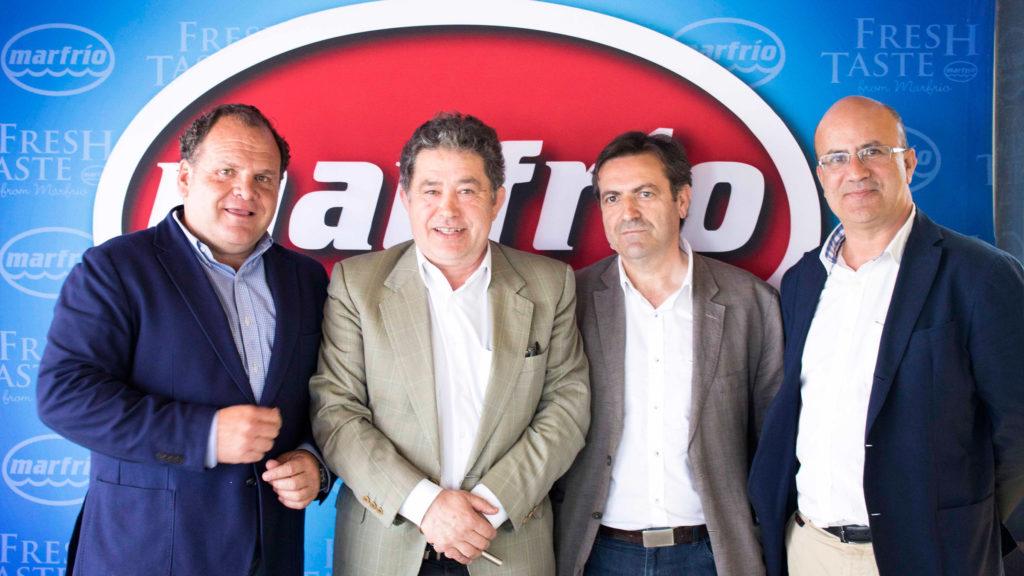 El director general del grupo, Santiago Montejo; el Alcalde de Pontevedra, Lores; el cabeza de lista del BNG, Luis Bara y el director comercial de Marfrio, Ramón Abeijón